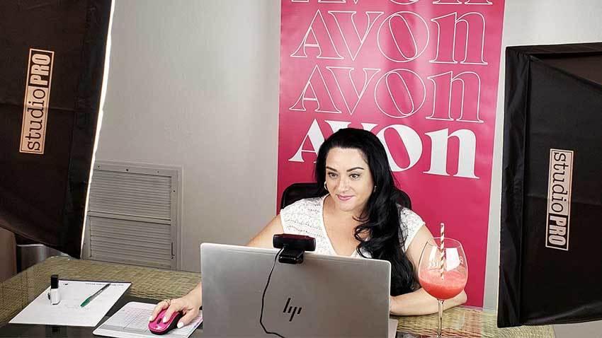 Online Avon Beauty Boss Dianne Hernandez